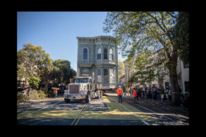 139-year-old Victorian house moved in San Francisco
